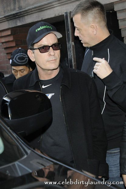 Charlie Sheen's Toronto Show Short On Time but Long on Sentiment