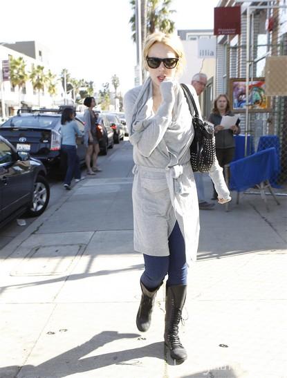 Lindsay-Lohan-Living-The-Sober-life