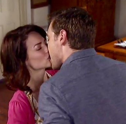 'General Hospital' Spoilers: Spinelli Takes a Beating - Ric Rents Jake a Wife as Spencer's Injuries Lead To Liz and Jake Kiss