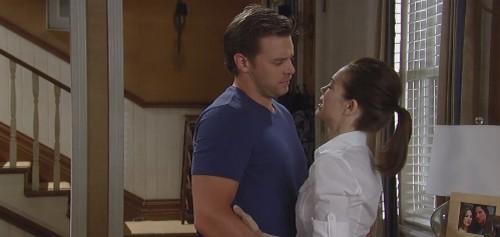 General Hospital Spoilers: Lucky Spencer Tells Liz Son Jake Alive - Elizabeth Shares Shocking News With Jason?