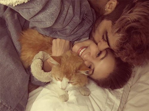 Gigi Hadid Fears Zayn Malik Will Leave Her Like He Did Perrie Edwards - 'Pillowtalk' Singer Unstable, Falling Out Of Love?