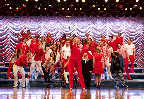 Glee Series Finale Spoilers: Characters Sing Their Last Songs, Bid Farewell In Emotional Set Pics! (PHOTOS)