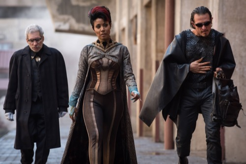"Gotham Premiere Recap - Bruce Taken But Doppelganger Turns Up: Season 3 Episode 1 ""Mad City: Better to Reign in Hell"""