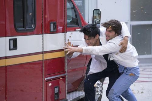 """Grey's Anatomy Fall Finale Recap 11/15/18: Season 15 Episode 8 """"Blowin' in the Wind"""""""