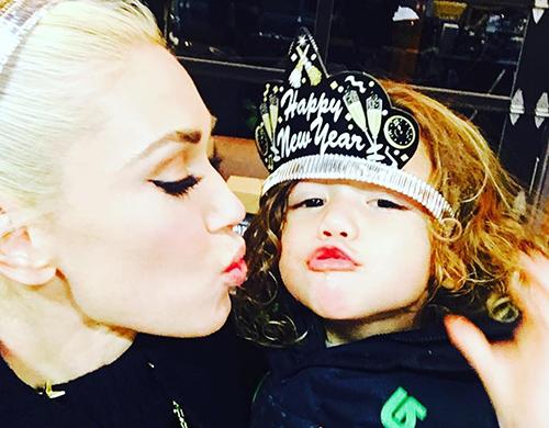 Blake Shelton Transforms Gwen Stefani Into Country Star To Save Failing Pop Career?