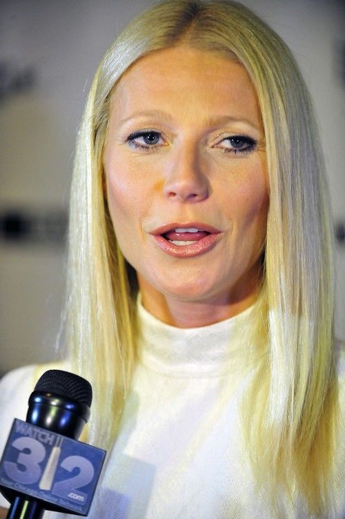 Gwyneth Paltrow Organizes Couple's Retreat With Brad Falchuk, Chris Martin, and Chris' New Girlfriend Kate Hudson