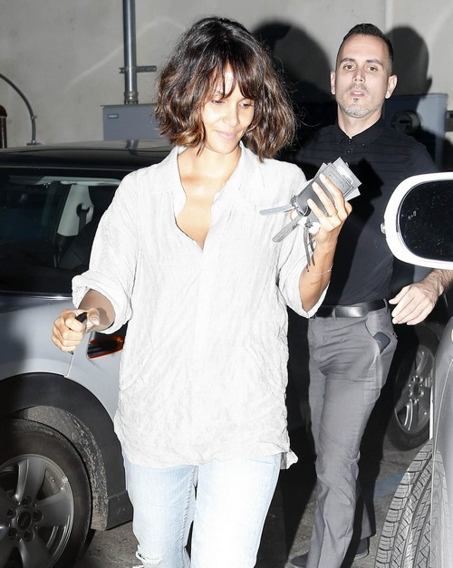 Halle Berry Trying To Prove Gabriel Aubry Tampered With Daughter Nahla's Hair - Halle Wears Straight Hair Wigs - (PHOTOS)