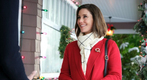 Hallmark Channel News: Ashley Williams Stars In 'Holiday Hearts' - Weekend Movie Alert
