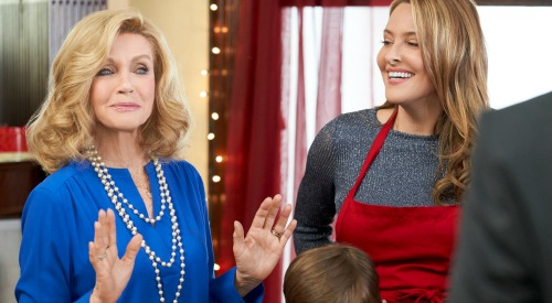 Hallmark Channel News: Donna Mills' New Movie - General Hospital Alum Stars in 'Christmas Wishes & Mistletoe Kisses'