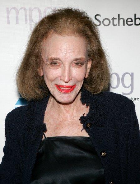 'Cosmopolitan Magazine' Editor Helen Gurley Brown Dies at age 90