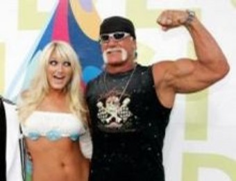 Hulk Hogan's Bodyguards Punch Out Photographer At His Wedding