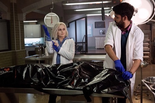 "iZombie Premiere Recap - Life After UnDeath: Season 1 Episode 1 ""Pilot"""