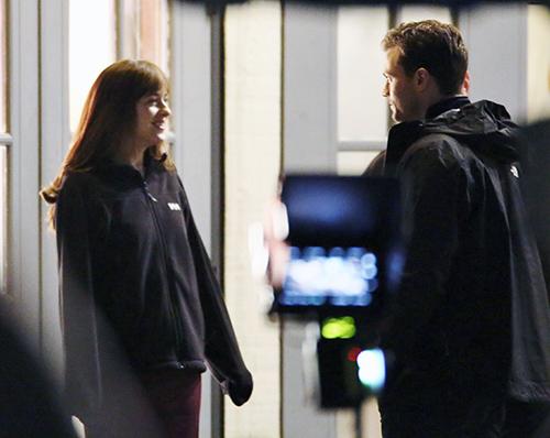 'Fifty Shades Darker' In Jeopardy: Jamie Dornan Cold To Dakota Johnson, Fears Amelia Warner Post-partum Depression