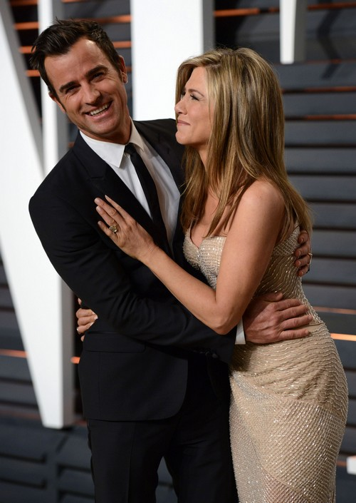 Jennifer Aniston Wedding Cancelled: Furious With Selena Gomez for Kissing Fiance Justin Theroux At Oscar Party?