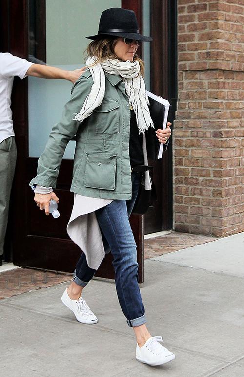 Jennifer Aniston Celeb Crush on Jon Hamm: Justin Theroux Jealous, Fears Jen Will Cheat?