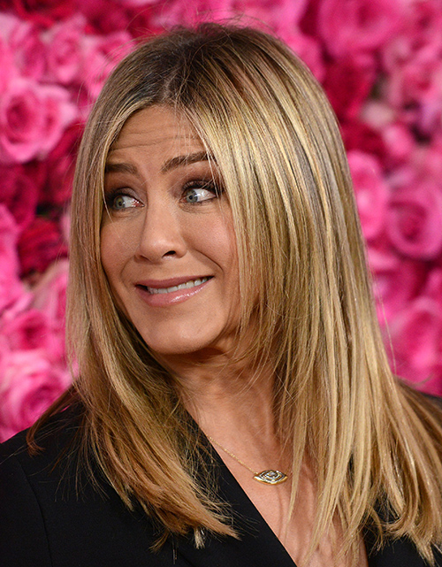 Jennifer Aniston's Marriage Ends After Justin Theroux Flees The Country To Film Final Season Of 'The Leftovers'?