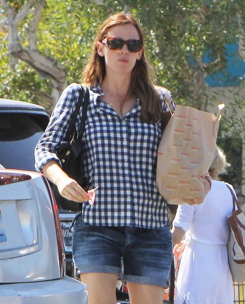 Jennifer Garner Kicks Ben Affleck Out of the House
