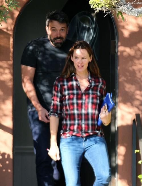 Ben Affleck and Jennifer Garner Back Together After Attending Marriage Counseling, Divorce Called Off?