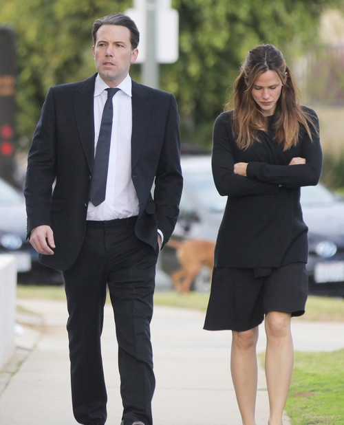 Jennifer Garner Spotted With Mystery Man: Hooking Up with New Guy - Bye Bye Ben Affleck