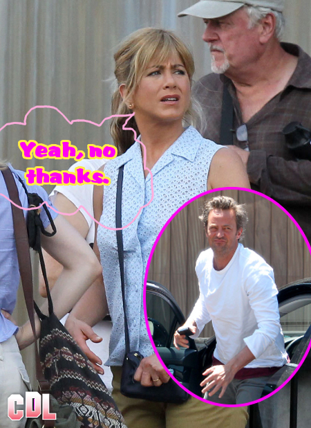 Jennifer Aniston is no Friend of Matthew Perry -- Gives him the Cold Shoulder!