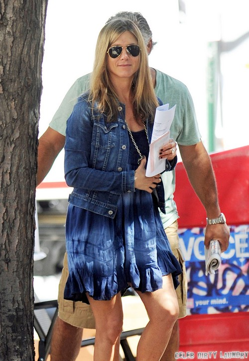Jennifer Aniston Pregnant - Trying To Pressure Justin Theroux Into Having Children
