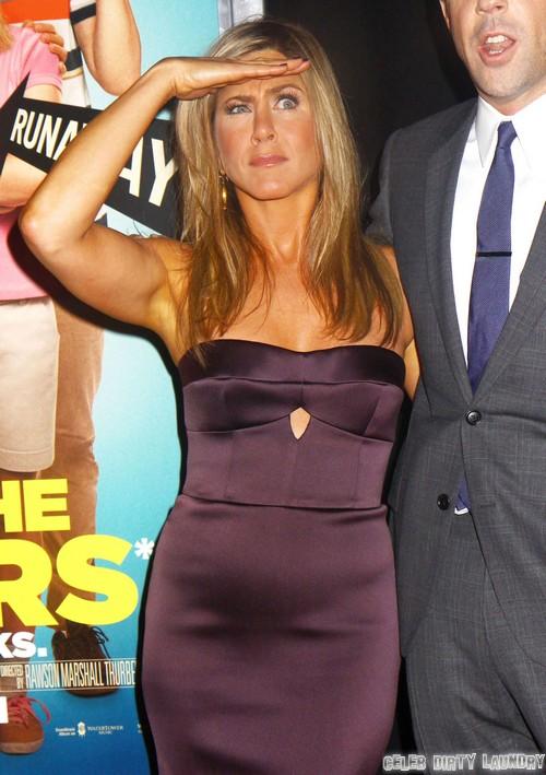 Is Jennifer Aniston Sporting A Baby Bump? | Celeb Dirty ...