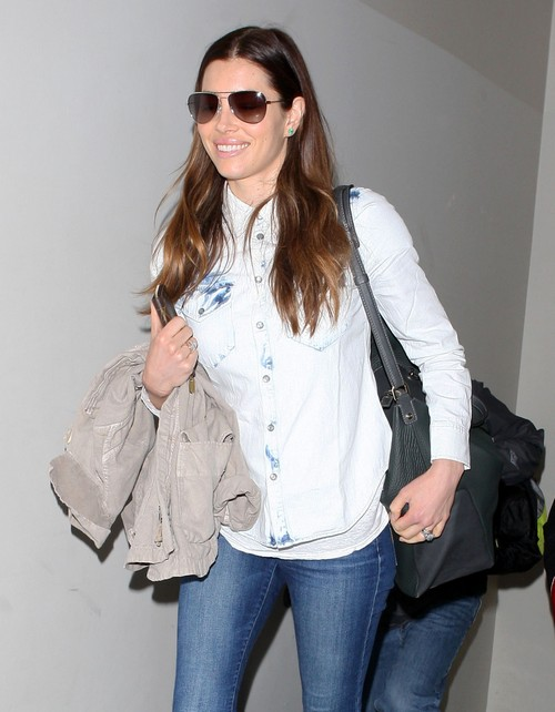 Jessica Biel Pregnant - Justin Timberlake Takes Wife To Birthing Class Consultant Latham Thomas (PHOTOS)