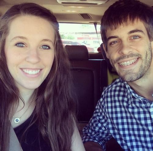 Jill And Jinger Duggar At War: Jeremy Vuolo Slams Derick Dillard For Not Working, Supporting Family