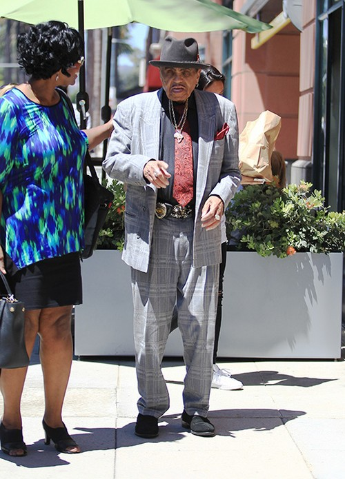 Joe Jackson Enters Medical Facility Accompanied By Katherine Jackson - Michael Jackson's Father Ill?