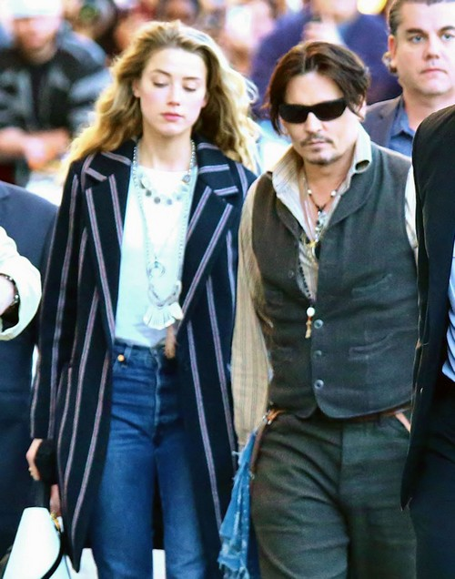Johnny Depp's Daughter Lily-Rose Wants Him To Break Up With Amber Heard and Cancel Wedding?