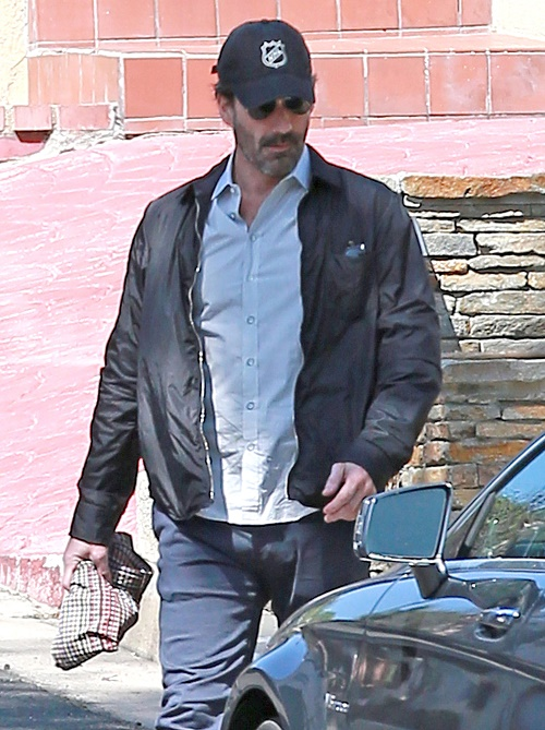 Jon Hamm Rehab Stint For Alcohol: Hamm's Drinking Problems Stem From Troubled Childhood – Lost Both Parents