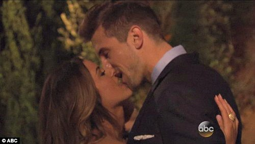 The Bachelorette 2016 Jojo Fletchers First Kiss For Winner Jordan Rodgers