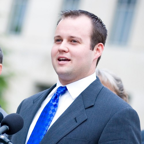 Josh Duggar Caught on Ashley Madison Cheating Site While Wife Pregnant – Duggar Family Values on Display Again