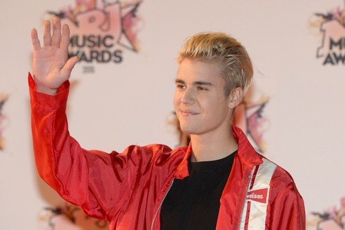 Justin Bieber Dating Mystery Girlfriend, Kylie Jenner's Twin: Selena Gomez Reconciliation Unlikely