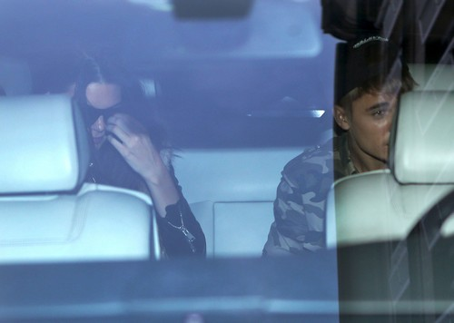 Selena Gomez Catches Justin Bieber Cheating: Dating Kendall Jenner - Paris Dinner Hook-Up (PHOTOS)