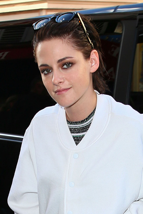 Kristen Stewart Gets Girlfriend St. Vincent To Score Her Directorial Debut 'Come Swim': Couple To Win Big At 2017 Sundance?