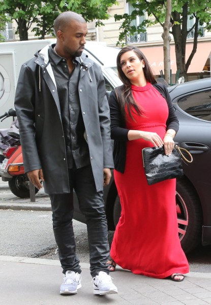 Kim Kardashian And Kanye West Arguing Over Prenup, She Wants Big Payout If He Cheats! 0717