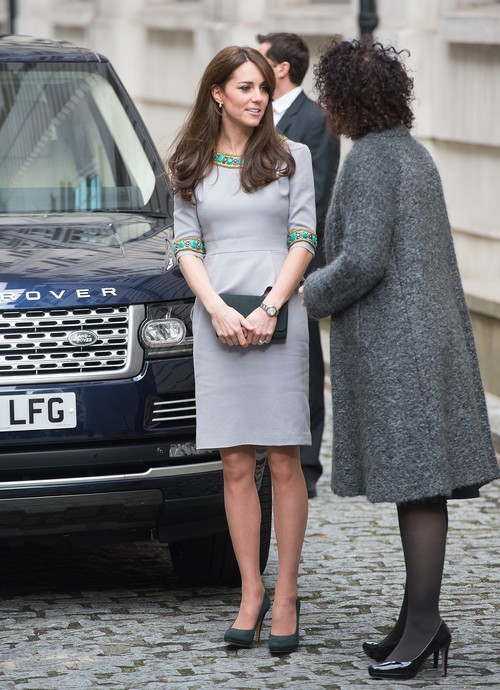 Kate Middleton Secret Shopping: Christmas Plans With Carole and Pippa Middleton Undermine Royal Family?