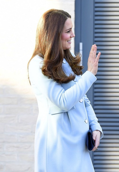 Kate Middleton Skips BAFTA Pre-Party at Kensington Palace: Hiding Baby Bump Weight Gain From Reese Witherspoon?