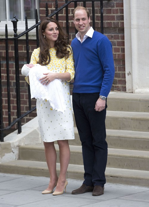 Kate Middleton Moving Princess Charlotte Elizabeth Diana and Prince George  to Anmer Hall: Visit Queen