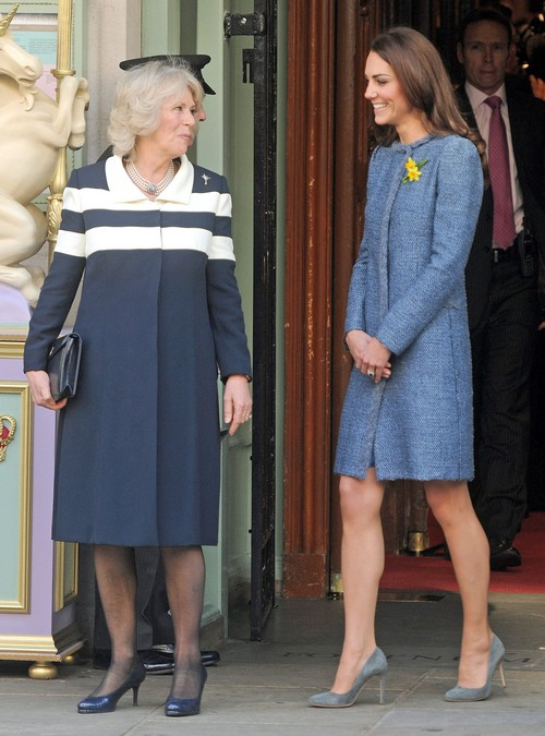 Camilla Parker-Bowles Insists Kate Middelton Name Baby Girl 'Camilla' not 'Diana' - Queen Elizabeth Disgusted!