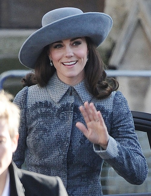 Queen Elizabeth Thinks Kate Middleton Not Royal Enough: Duchess Ordered To Control Commoner Chit-Chat
