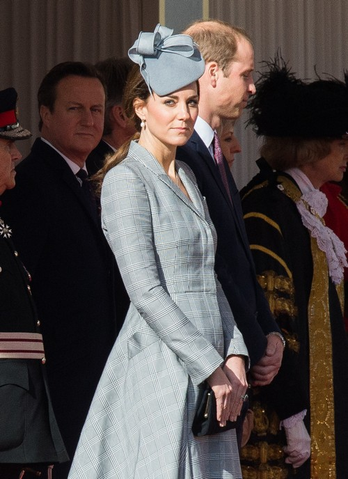 Kate Middleton Neighbors Furious, Queen Elizabeth Appalled