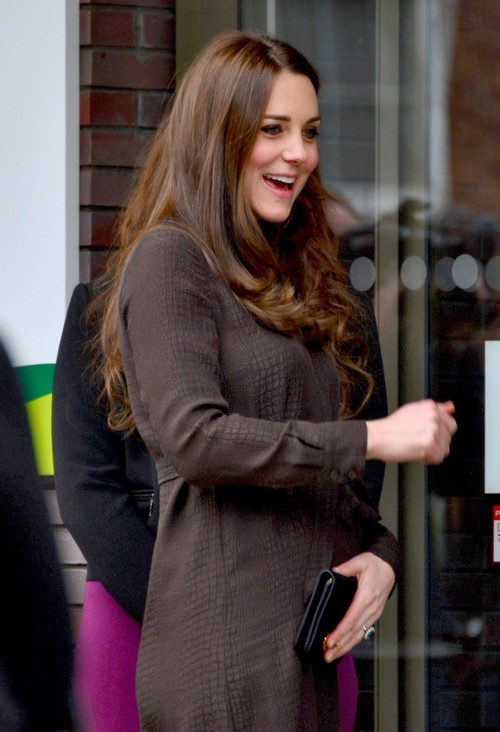 Kate Middleton Pregnant and Exhausted: Forced To Attend The Fostering Network - Baby Bump Photos