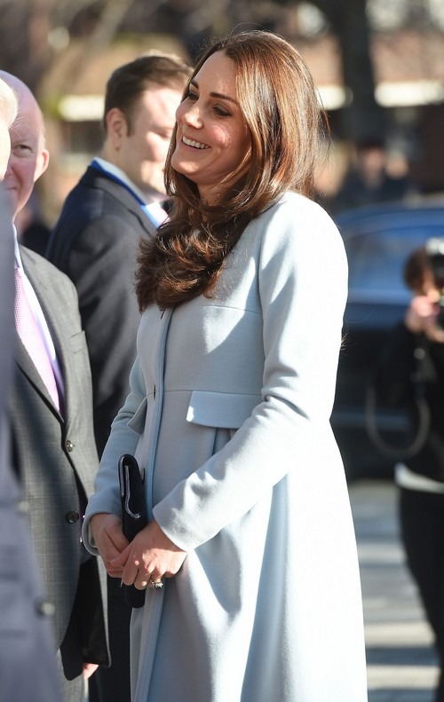 Kate Middleton Loses To Keira Knightly The Pregnant Queen of Fashion Title: Duchess of Cambridge Second Best!