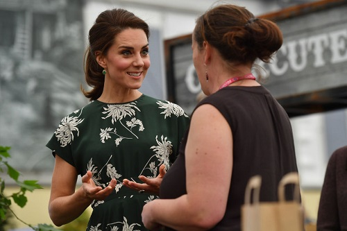 Kate Middleton Perturbed Over Donna Air's Copycat Style