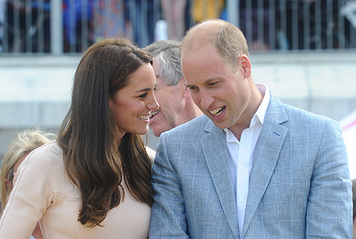 Kate Middleton And Prince William Criticized By Etiquette Expert: Lazy Royals Behaving Like Childish Commoners!