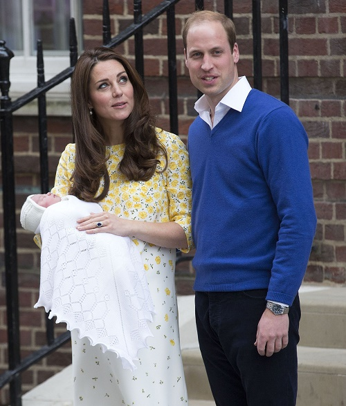 Kate Middleton, Prince William Cancel Amner Trip: Queen Elizabeth Travels To Meet Baby Princess Charlotte Elizabeth Diana