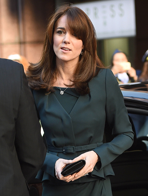 Kate Middleton Channels Princess Diana In Christmas Battle With Queen Elizabeth – Duchess Fights Isolation