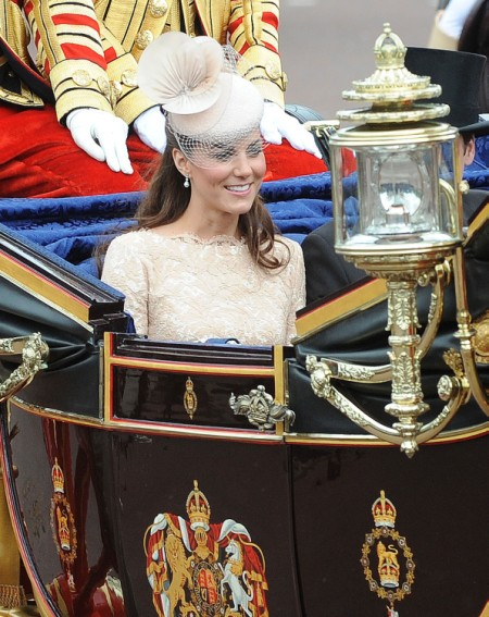 Kate Middleton's Insistence On Going Nude Has Fashion Critics Angry 0607
